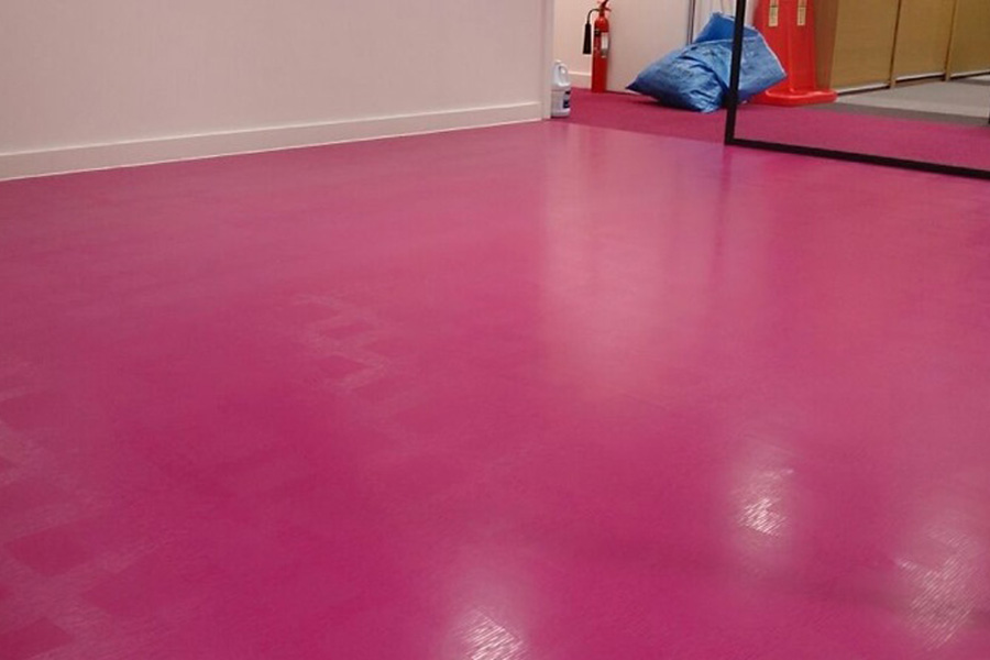 Vinyl Floor Cleaning